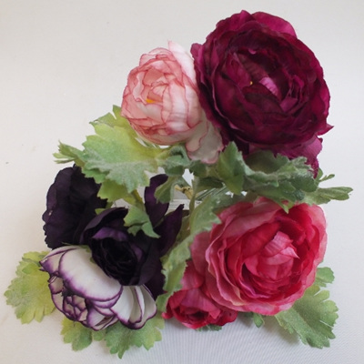 Ranuncular 3 stem posy in 3 colours 4064 4065 4305