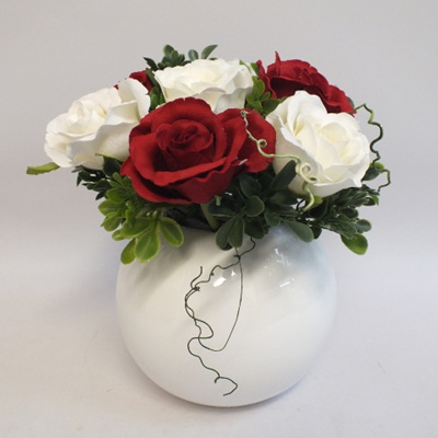 White and Red Roses 2167