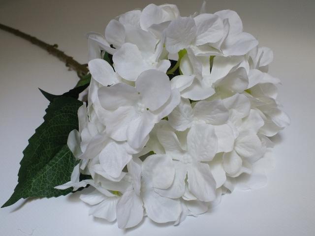 #artificialflowers #fakeflowers #decorflowers #fauxflowers#silk#hydrangea#white#