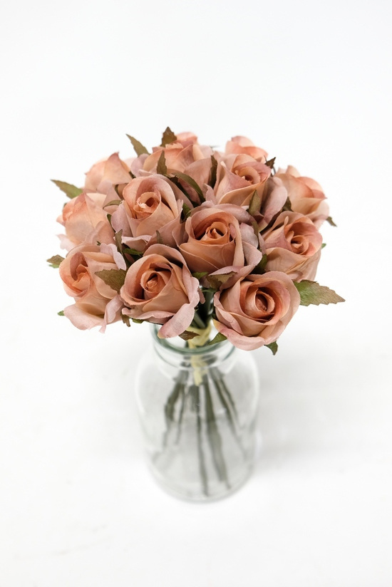 #artificialflowers#fakeflowers#decorflowers#fauxflowers#silkflowers#rosebud#dust
