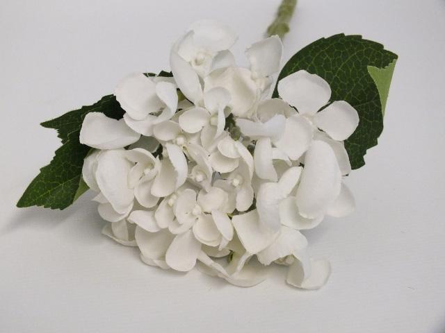 #artificialflowers#fakeflowers#decorflowers#fauxflowers#silkflowers#hydra#white
