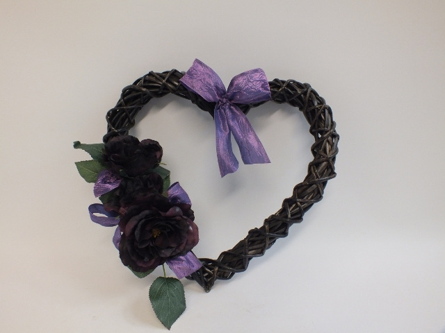 #artificialflowers#fakeflowers#decorflowers#fauxflowers#silkflowers#mauve#heart