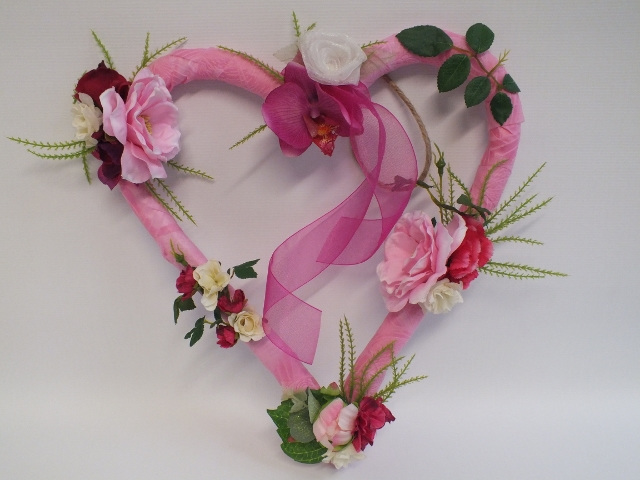 #artificialflowers#fakeflowers#decorflowers#fauxflowers#silkflowers#pink#heart