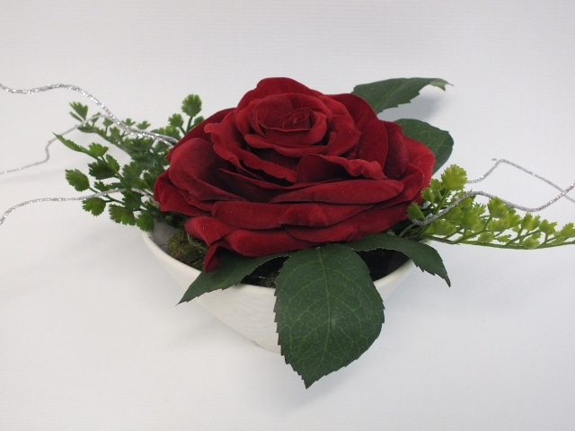 #artificialflowers#fakeflowers#decorflowers#fauxflowers#silkflowers#red#rose