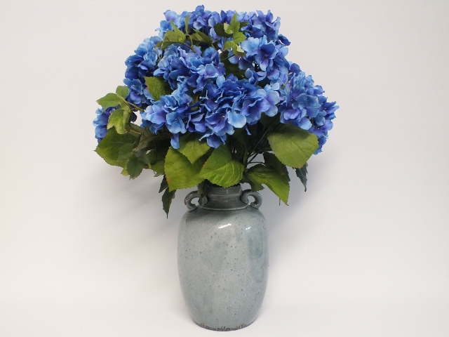 #artificialflowers#fakeflowers#decorflowers#fauxflowers#hydranges#blue
