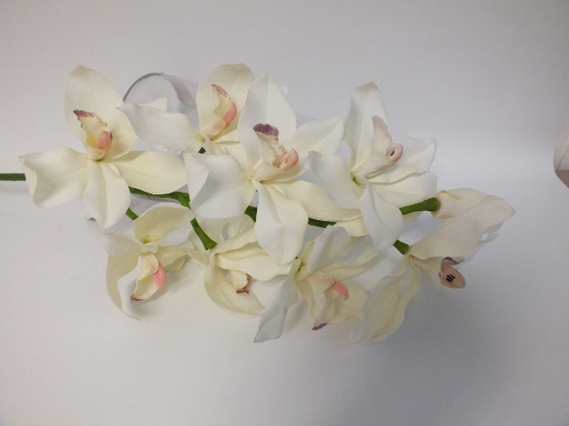 #artificialflowers#fakeflowers#decorflowers#fauxflowers#orchid#cream#cymbidium