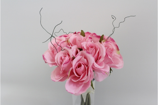 #artificialflowers#fakeflowers#decorflowers#fauxflowers#posy#pink
