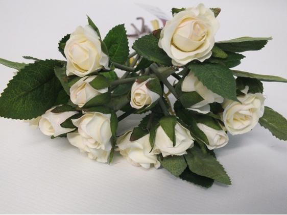 #artificialflowers#fakeflowers#decorflowers#fauxflowers#silkflowers#rosebud#crea