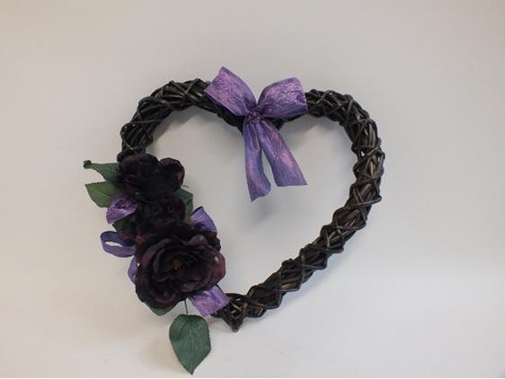 #artificialflowers#fakeflowers#decorflowers#fauxflowers#silkflowers#mauve#heart