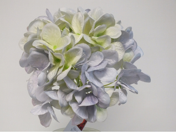 #artificialflowers#fakeflowers#decorflowers#fauxflowers#silkflowers#hydrangea#la