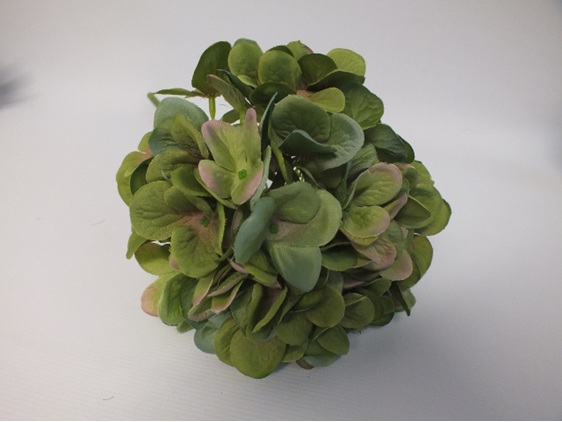 #artificialflowers#fakeflowers#decorflowers#fauxflowers#silk#hydrangea#darkgreen