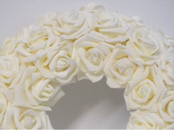 #artificialflowers#fakeflowers#decorflowers#fauxflowers#silkflowers#wreath#cream