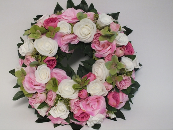 #artificialflowers#fakeflowers#decorflowers#fauxflowers#wreath#pinkwhite
