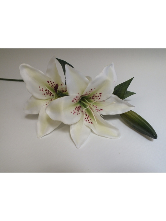 #artificialflowers#fakeflowers#decorflowers#fauxflowers#silkflowers#lily#cream