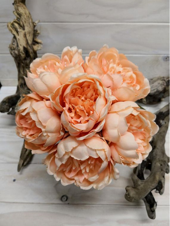 #artificialflowers#fakeflowers#decorflowers#fauxflowers#silkflowers#posy#peach
