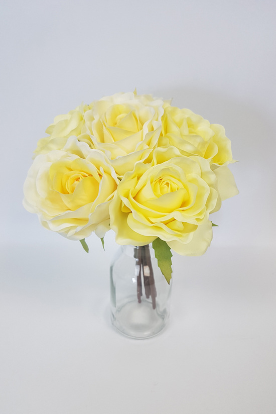 #artificialflowers#fakeflowers#decorflowers#fauxflowers#silkflowers#posy#yellow