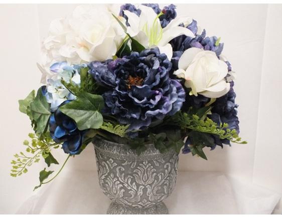 #artificialflowers#fakeflowers#decorflowers#fauxflowers#arrangement#white#blue
