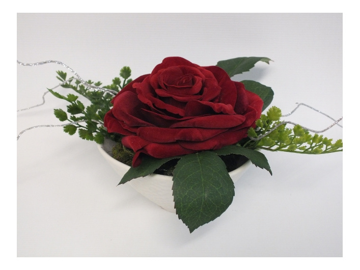 #artificialflowers#fakeflowers#decorflowers#fauxflowers#silkflowers#red#rose