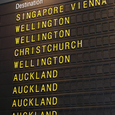 AUCKLAND AIRPORT: PICKUP/DROPOFF*