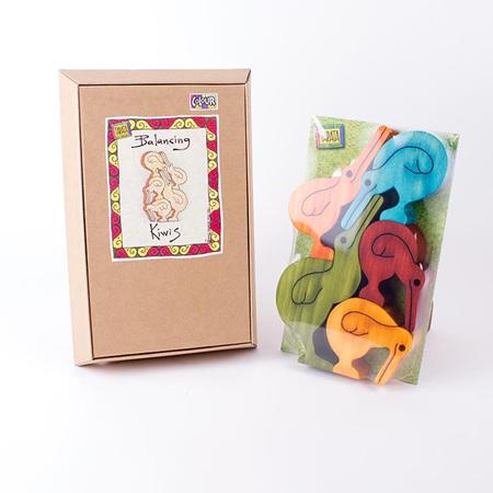 Balancing Kiwis Gift Set