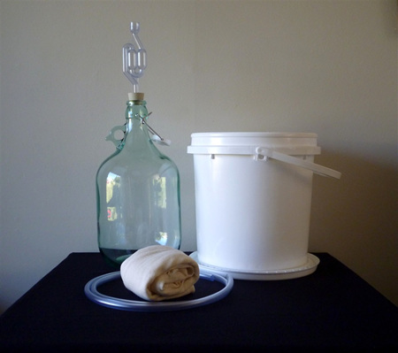 Basic All-You-Need Winemaking Package (Single / 5 Litre)