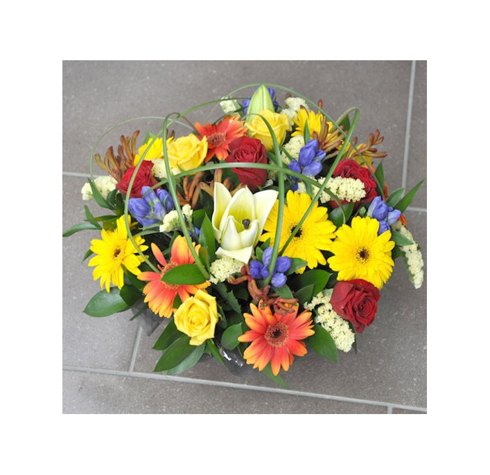 beautiful bright arrangement delivered to onehunga
