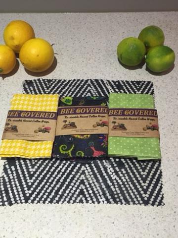 Bee Covered Food Wrap - Medium