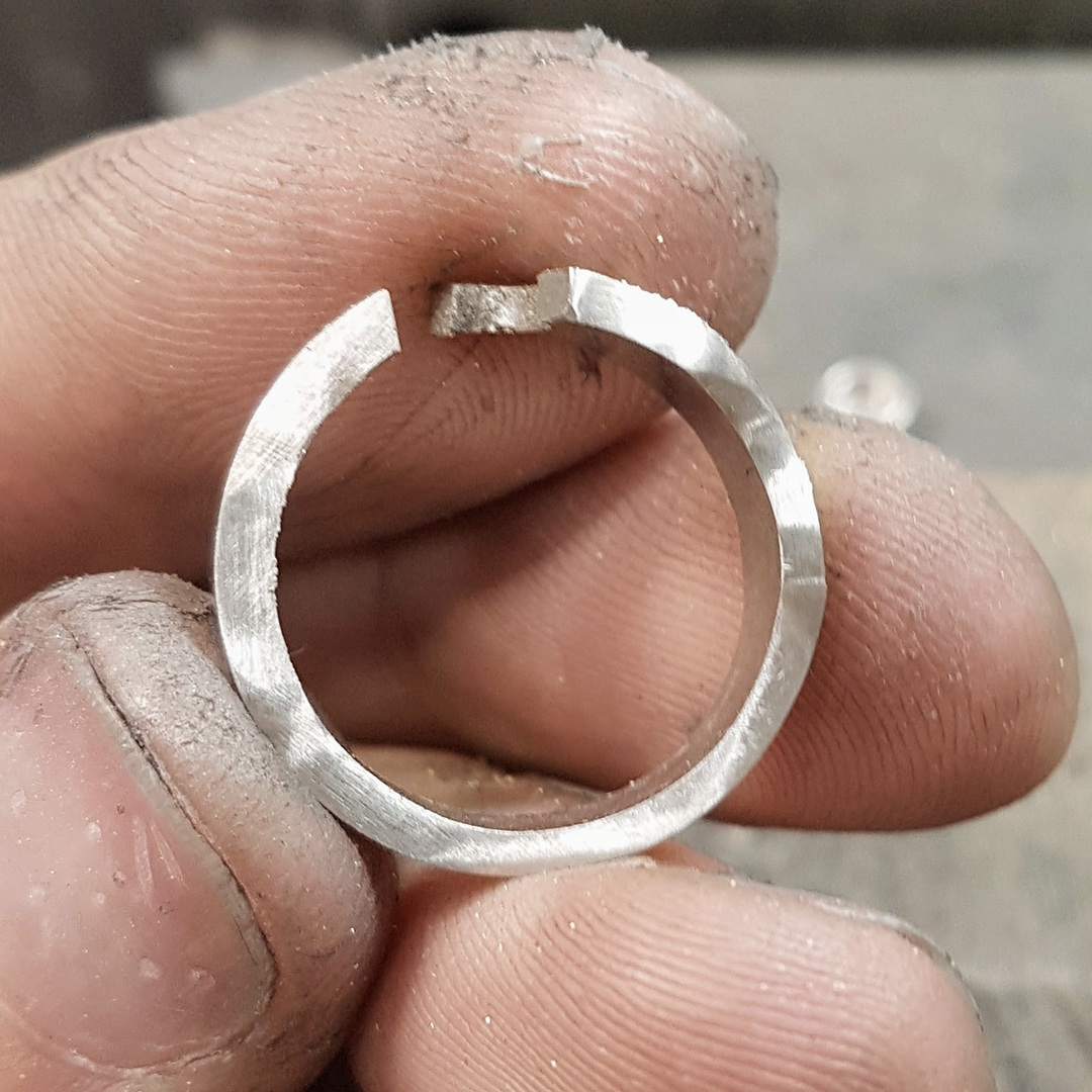Platinum band ready for laser welding