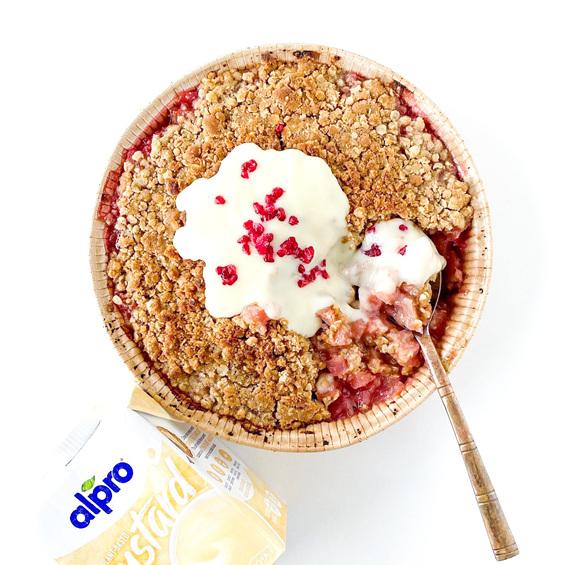 Berkano Apple, Rhubarb & Berry Crumble 900g