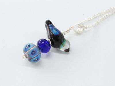 Bird stack pendant - Blue/black