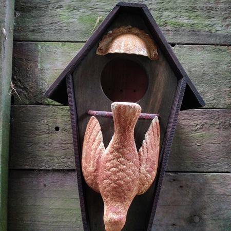 Birdhouse with Dove