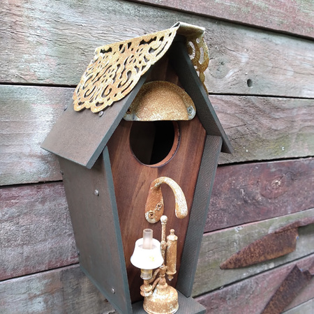 Birdhouse with Lamp