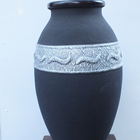 Black and Silver Sand Urn C1521