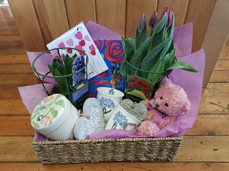 Bloomers Gifts and Plants Hamper