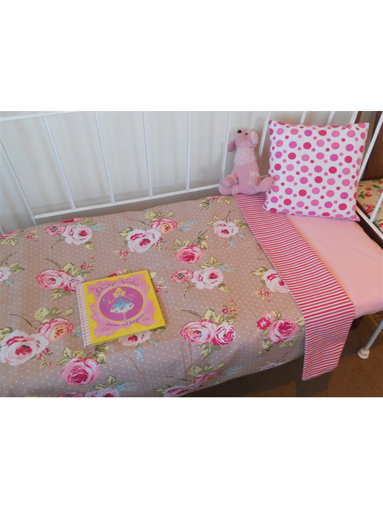 Blooming Roses Cot Duvet Cover