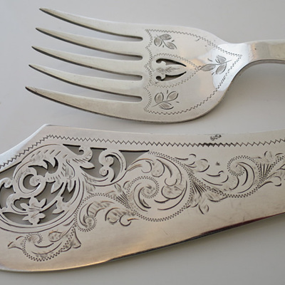 Bone handle fish servers