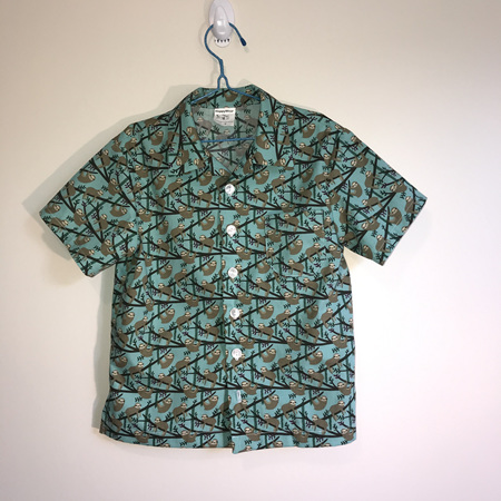 Boys Shirt: Green background Sloth print - SIZE 7
