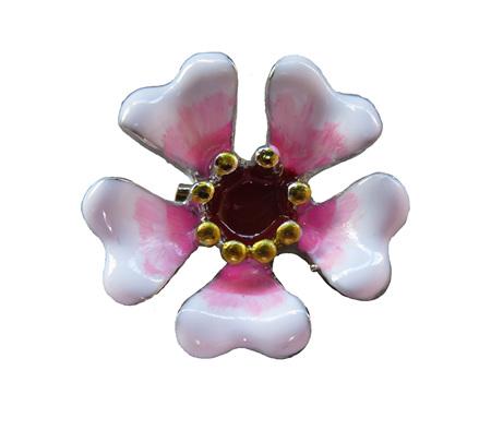 BR19 Manuka Flower Brooch