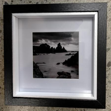 Breaker Bay - Framed Photograph - 18.2 x 18.2cm