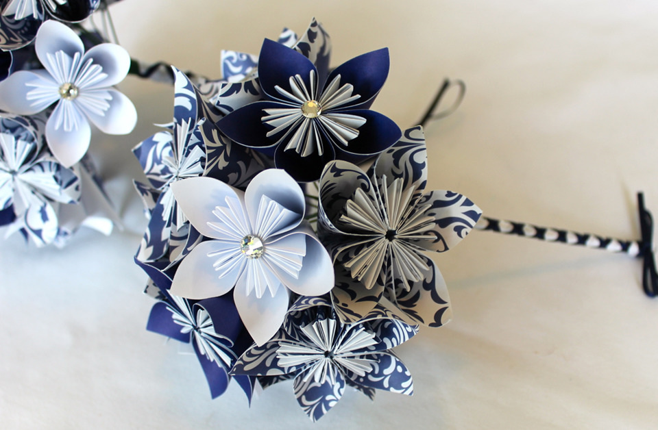 Bridesmaid bouquet with paper flowers - Festive Creations