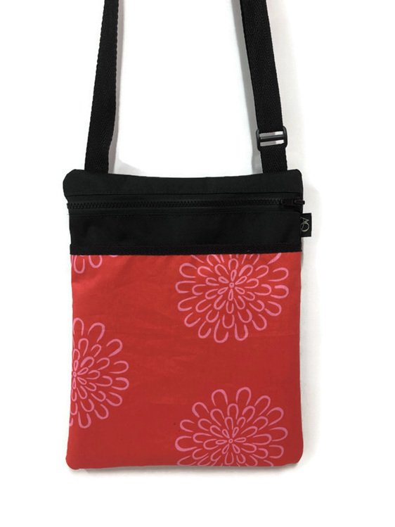 Bright daisy bag made in NZ and free shipping.