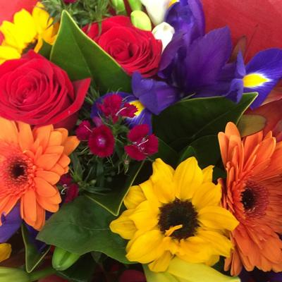 Bright Mix Tones Bouquets/Posies