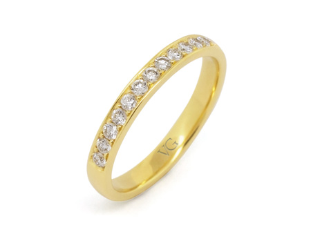 Brilliant Cut Diamond Band