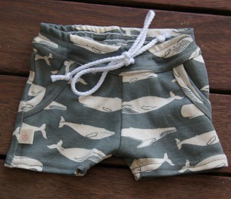 'Brodie' Shorts with pockets, 'Kujira, Gray' GOTS Organic Cotton Knit, 3-6m