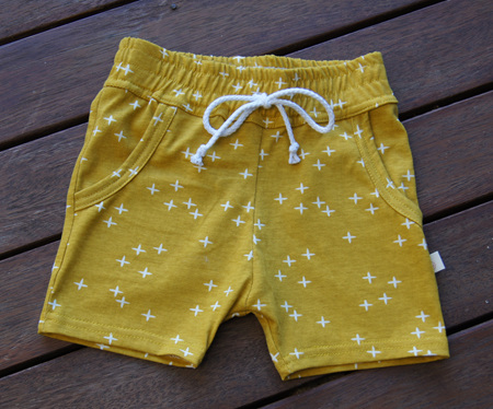 'Brodie' Shorts with pockets, 'Wink Marigold' GOTS Organic Cotton Knit, 3 years