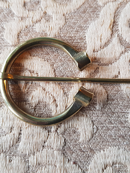 Brooch 2 - Brass Horseshoe Clasp (3.2 cm)