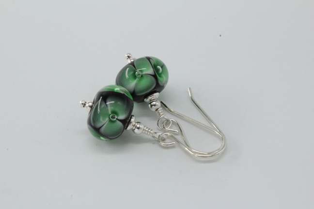 Bubble flower earrings - Green on black