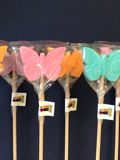BUTTERFLY POPS , RASPBERRY FLAVOUR, 8CM WIDE