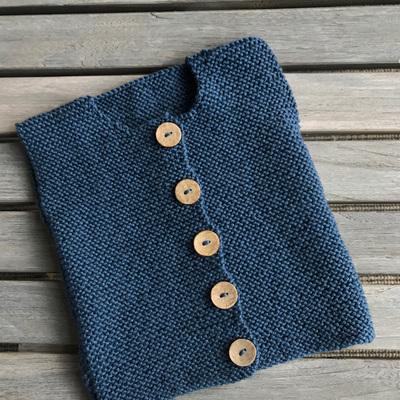 Button down vest in Garter stitch