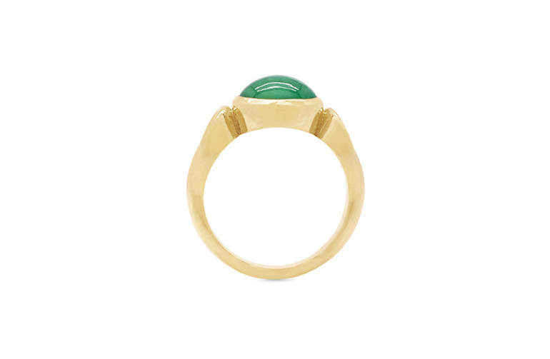 Cabochon emerald yellow gold dress ring